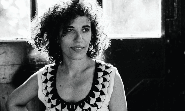 Julia Biel | Black and White, Vol.1